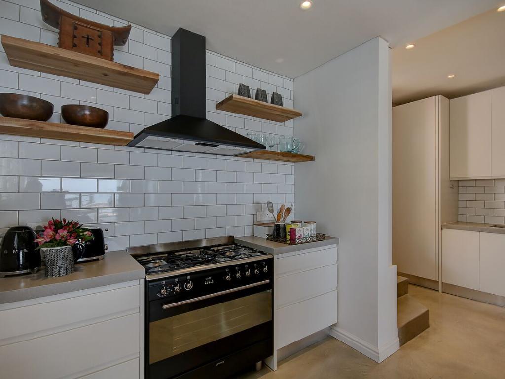 Penthouse North kitchen